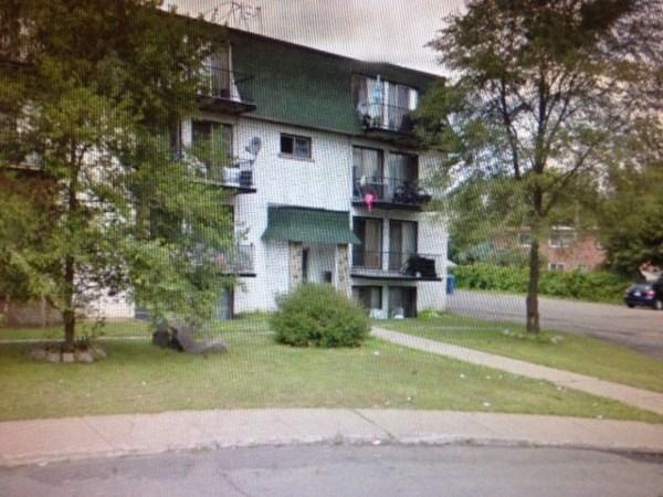 Appartement louer mont r gie jb455 publimaison - Garage a louer monteregie ...