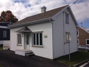 23232310 - Maison à étages à vendre