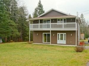22072803 - Maison à étages à vendre