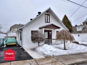 13739921 - Maison à étages à vendre