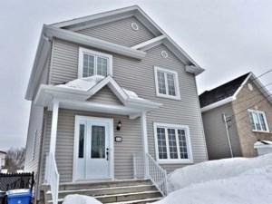 28368443 - Maison à étages à vendre
