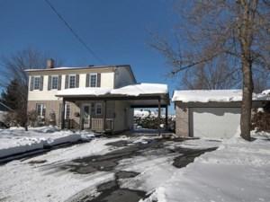 27320576 - Maison à étages à vendre