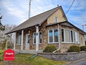 18376546 - Maison à étages à vendre
