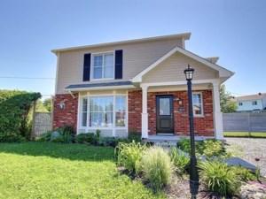 22484871 - Maison à étages à vendre