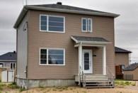 27840351 - Maison à étages à vendre