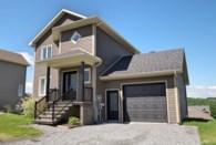 17748944 - Maison à étages à vendre