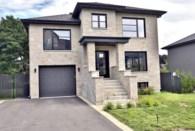 22425878 - Maison à étages à vendre