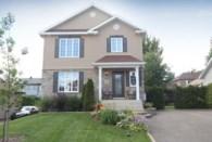27722256 - Maison à étages à vendre