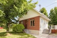 28693884 - Maison à étages à vendre