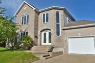 26601215 - Maison à étages à vendre