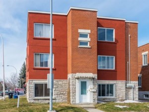 10339905 - Triplex for sale