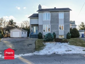 14524263 - Triplex for sale