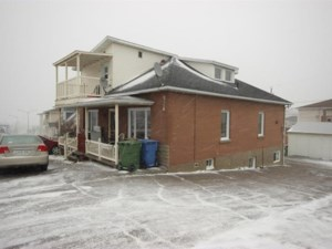 22156348 - Quadruplex for sale