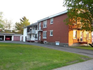 21290877 - Quadruplex for sale