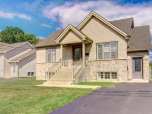 12647681 - Duplex for sale