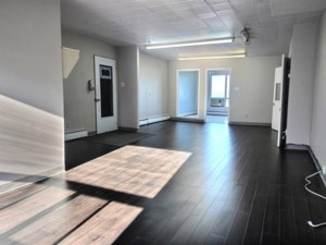 12977481 - Commercial space for rent