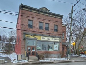 27749624 - Commercial space for rent