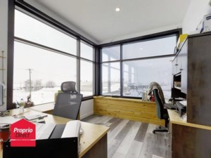 17382181 - Commercial space for rent