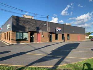 21919840 - Commercial space for rent