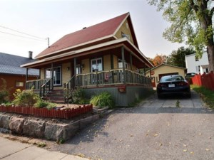 17829125 - One-and-a-half-storey house for sale