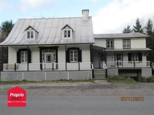 20027542 - One-and-a-half-storey house for sale