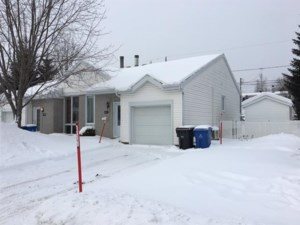 21295319 - Bungalow-Semi-detached for sale