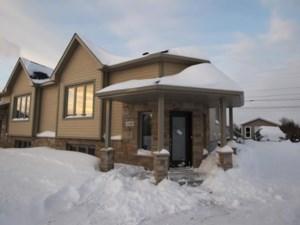 10708409 - Bungalow-Semi-detached for sale