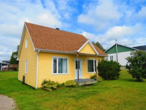 11978448 - One-and-a-half-storey house for sale