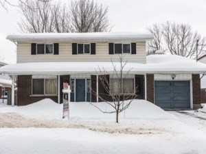 27022880 - Two or more storey for sale