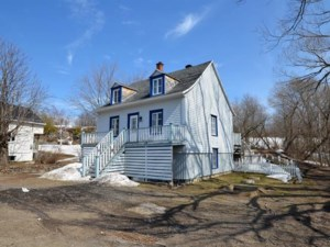 26724260 - One-and-a-half-storey house for sale