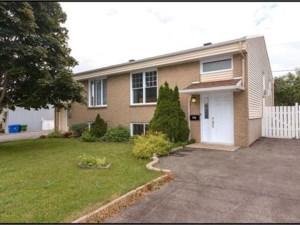 12089121 - Bungalow-Semi-detached for sale
