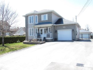 11711201 - Two or more storey for sale