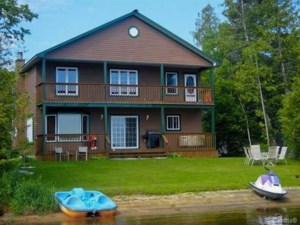 21892372 - One-and-a-half-storey house for sale