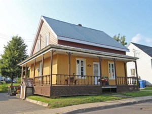 23472653 - One-and-a-half-storey house for sale