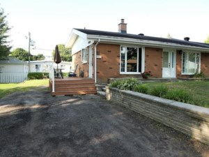 28870903 - Bungalow-Semi-detached for sale