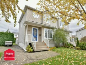 20073742 - Two-storey, semi-detached for sale