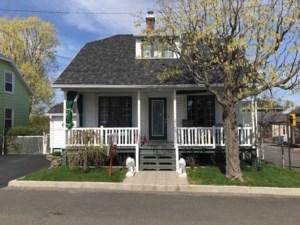 19829785 - One-and-a-half-storey house for sale