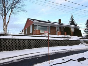 12220435 - Bungalow for sale