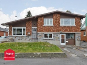 11217198 - One-and-a-half-storey house for sale