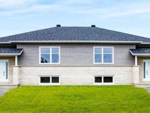 14233967 - Bungalow-Semi-detached for sale