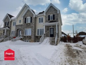9273146 - Two-storey, semi-detached for sale