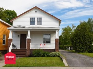 18205554 - One-and-a-half-storey house for sale
