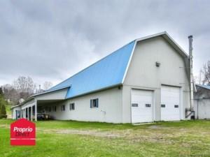 28135523 - Hobby Farm for sale
