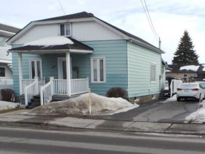 25426399 - One-and-a-half-storey house for sale
