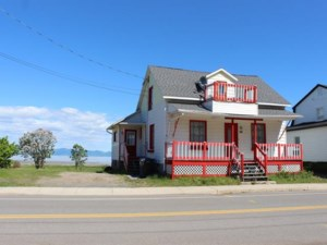 21977397 - One-and-a-half-storey house for sale