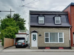 20141176 - One-and-a-half-storey house for sale