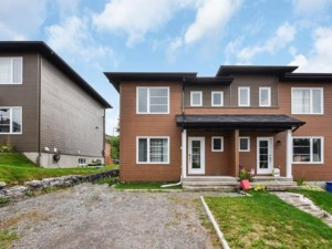 20165018 - Two-storey, semi-detached for sale