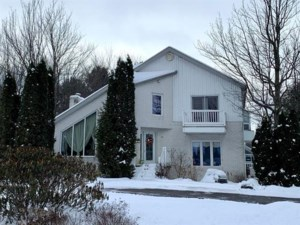 9395486 - Two or more storey for sale