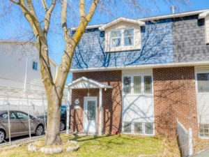 12203181 - Two-storey, semi-detached for sale