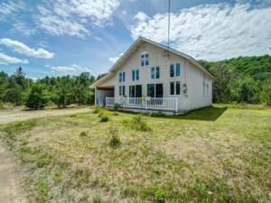 16021093 - One-and-a-half-storey house for sale